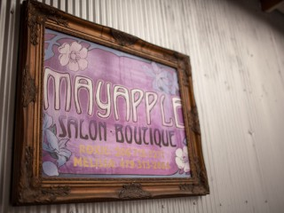 Salon & Boutique Mayapple
